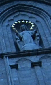 Mary high up on the Cathedral -- I am sure that the stars are not lit, but they appear so in my images !!!!