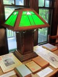 How can you resist this green lamp?