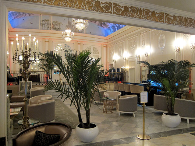 As you enter the Ritz Carlton, Montreal. A great lounge area.