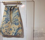 Women did not have pockets. A pocket pouch was worn under the petticoat.