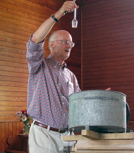 Paul Wood presenting Inventive Vermonters.