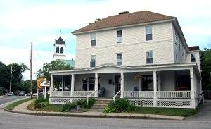 The Cornish Inn and Lincoln Pub - Cornish, Maine