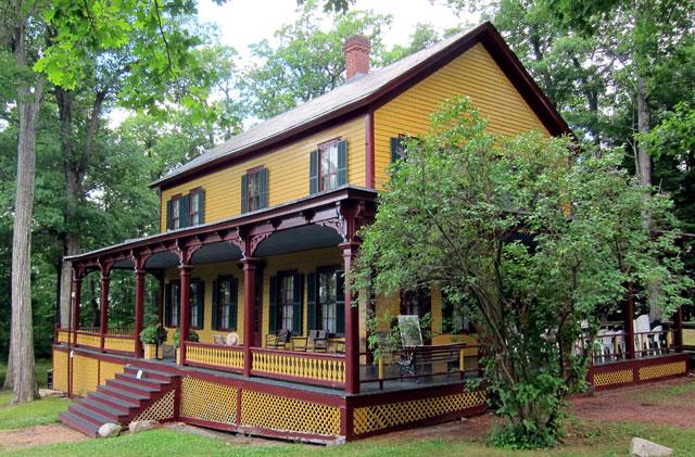 Grant's Cottage - Mount McGregor