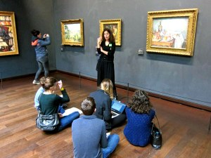One of many school groups leaning about the Impressionists