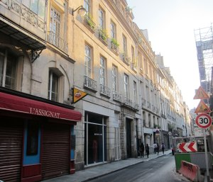9 rue Guenegaud - our address for the week - the large doorway just to right of center of image.