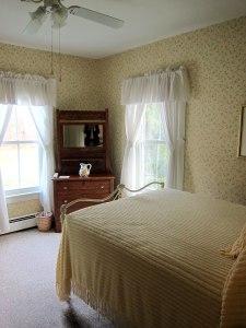 A bedroom at the Echo Lake Inn.