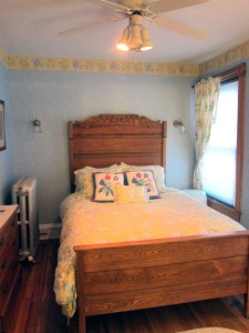 Bedroom at the Andrie Rose Inn.
